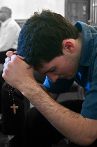 praying_rosary-ed